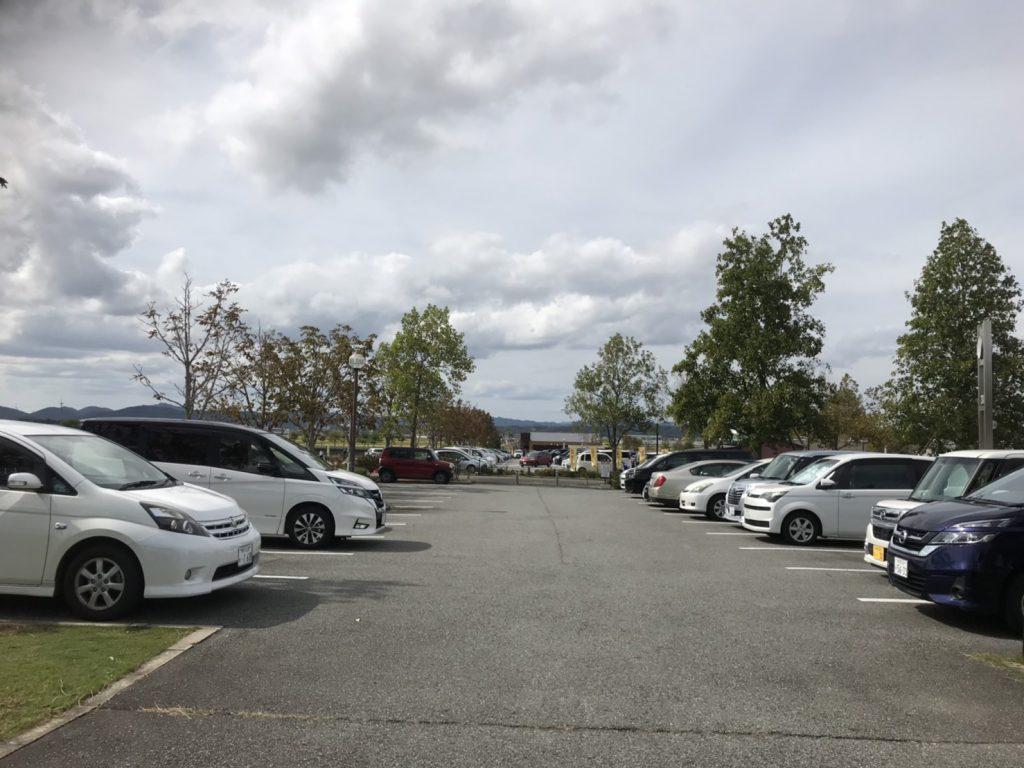 ひまわりの丘公園 駐車場